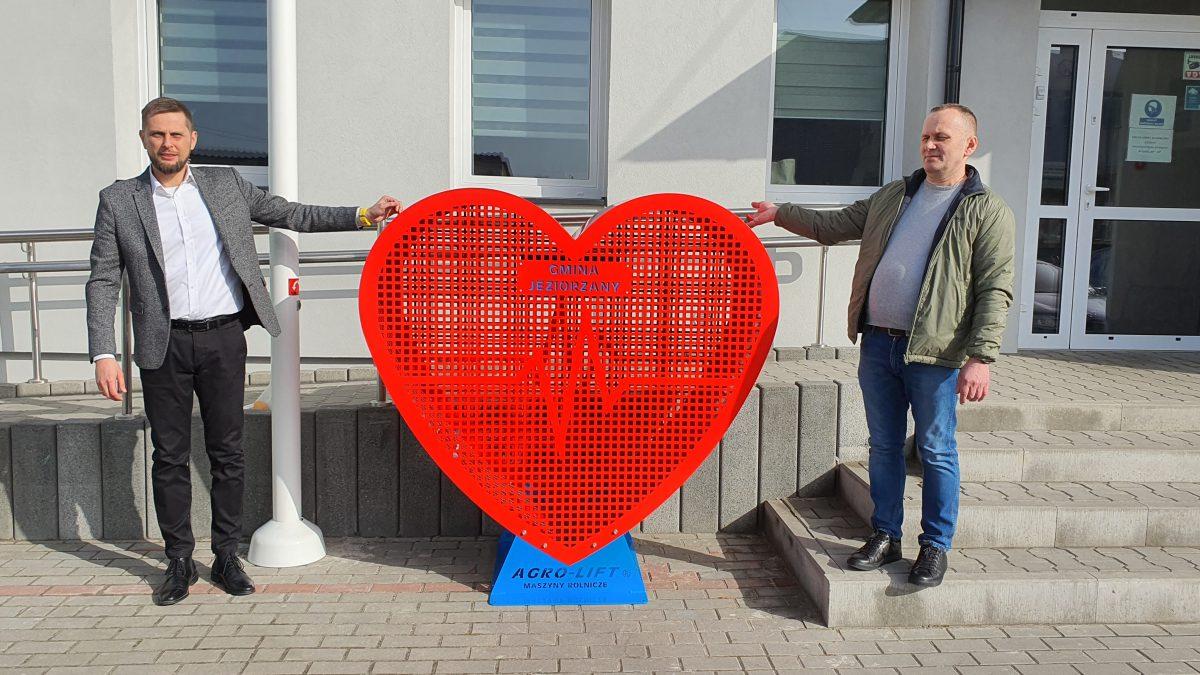 Serce – pojemnik na wielką pomoc.